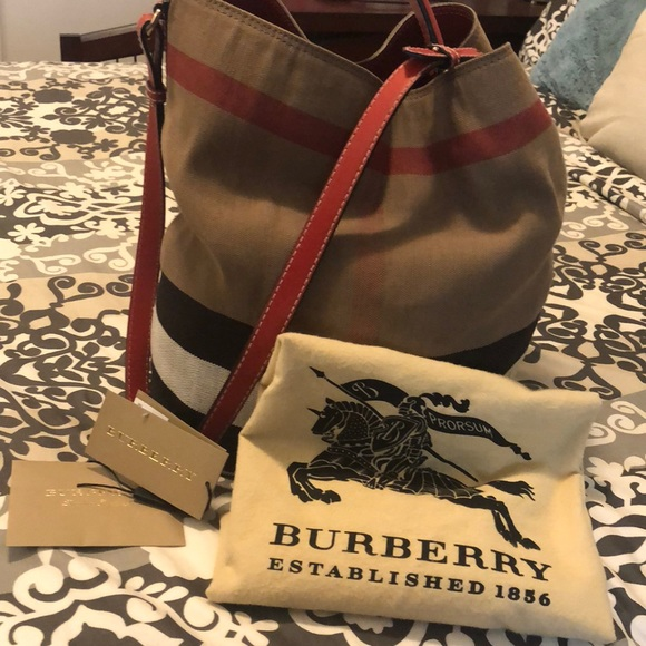 d7cedcc1058f Burberry Handbags - Burberry Medium Ashby Check Print Hobo